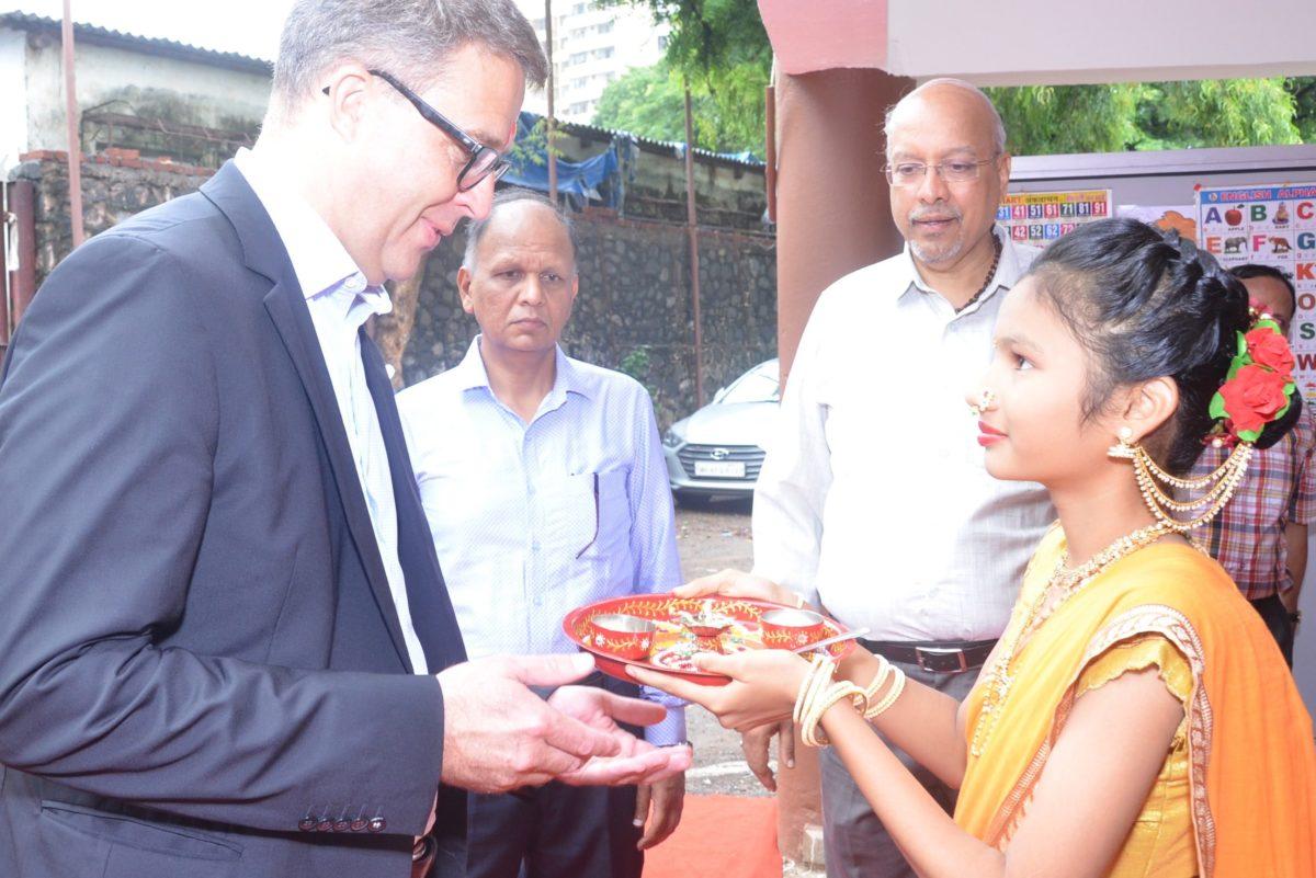 Lonza fördert gute Schulbildung für unterprivilegierte Kinder in Mumbai
